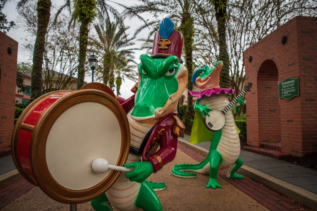 201901 WDW-574 Alligator jazz band at Port Orleans.jpg